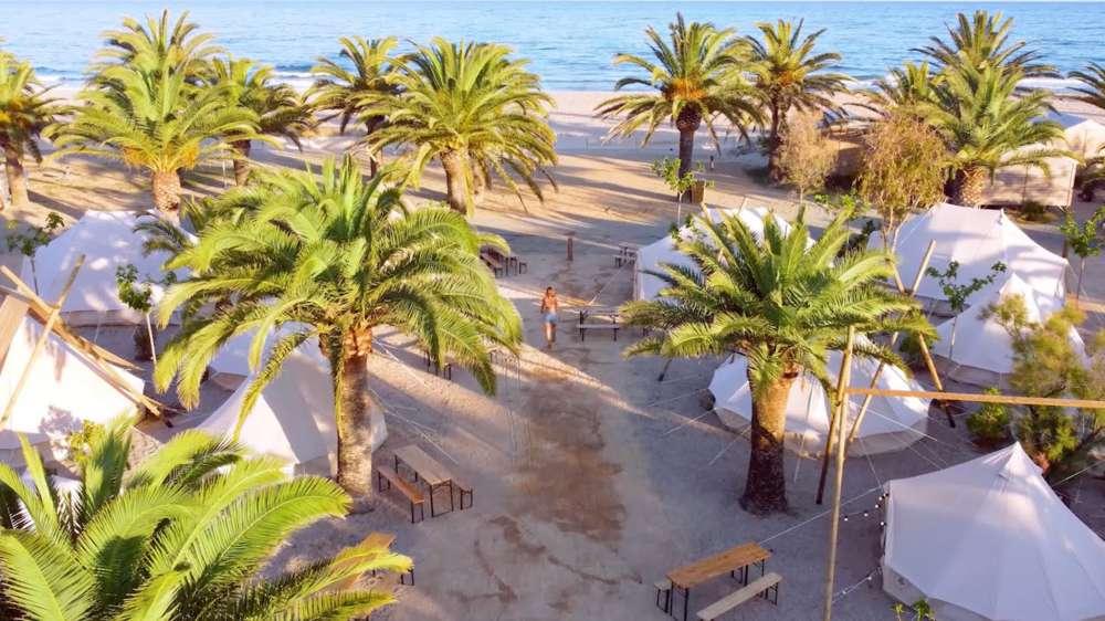 Glamping en hermosas costas españolas con Kampaoh