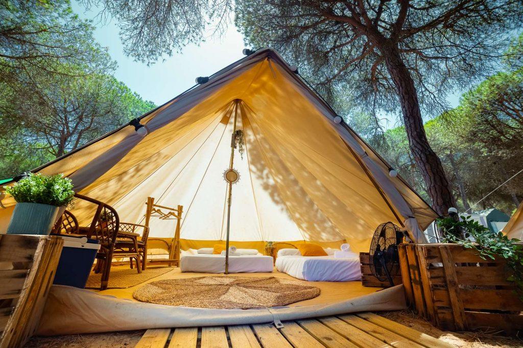 Tiendas glamping Kampaoh Isla Cristina en Camping Giralda